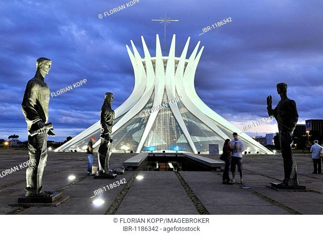 Statues of the Evangelists in front of the Cathedral Catedral da Nossa Senhora Aparecida, architect Oscar Niemeyer, Brasilia, Distrito Federal state, Brazil