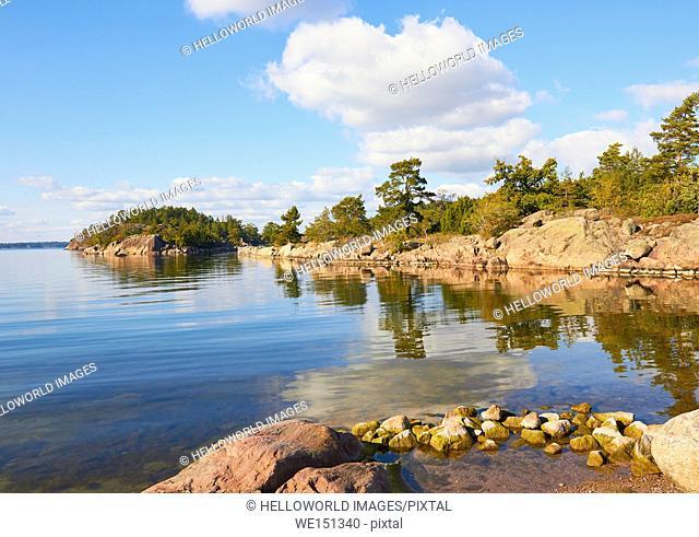 Coast of Grinda island, Stockholm archipelago, Sweden, Scandinavia