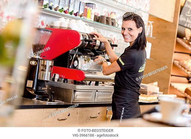 waitress - 12/08/2013