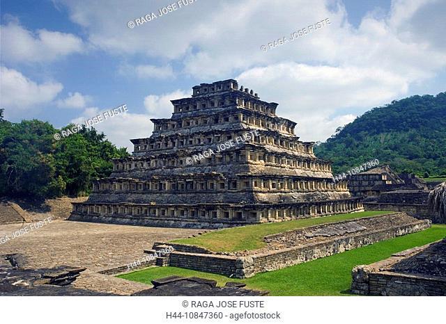 Mexico, Central America, America, Veracruz State, El Tajin, UNESCO, World heritage site, pyramid of the niches, South