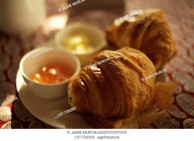 Croissant and jams