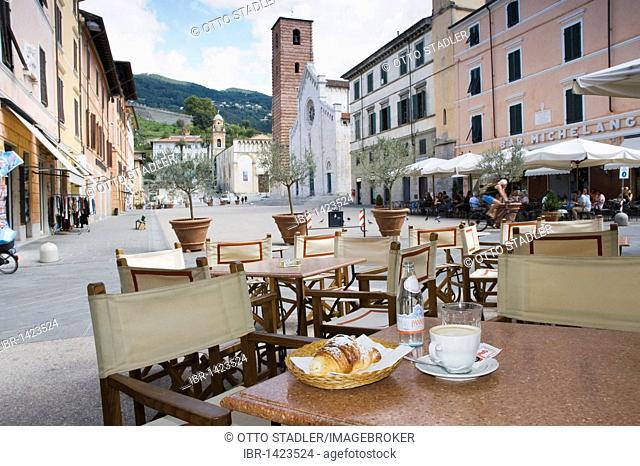 Cappuccino and croissant in the restaurant Gatto Nero, Piazza Carducci, Pietrasanta, Tuscany, Italy, Europe