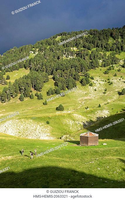 France, Isere, Vercors regional nature park, Chaumailloux refuge (alt :1669 m) near the Pas de l'Aiguille on the Vercors Highlands