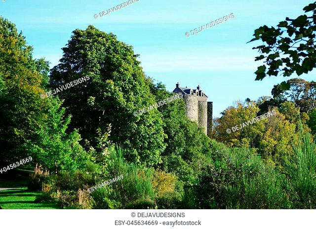 Landscape surrounding Dunstaffnage Castle ruins