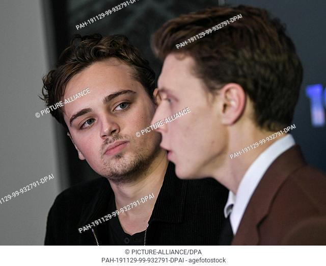 "28 November 2019, Berlin: The actors Dean-Charles Chapman (l) and George MacKay at the Photocall of the film """"1917"""" in the cinema UCI Luxe Mercedes place"