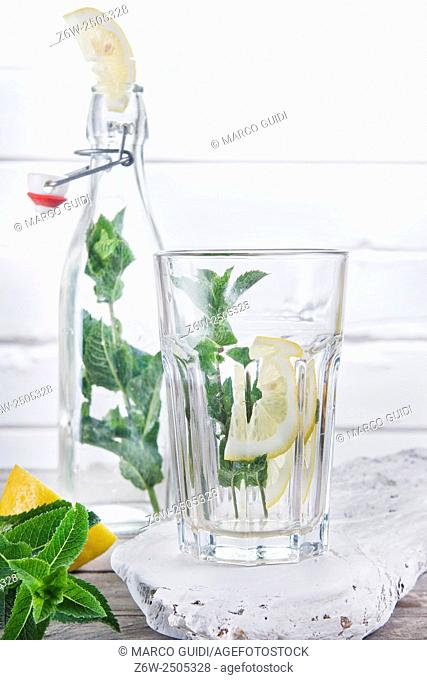 Mint leaves for the preparation of a drink