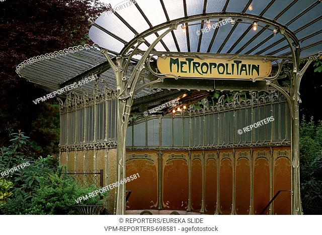 Paris France UNDERGROUND - EUROPEAN UNION - EU - TRANSPORT - STATION - ARCHITECTURE - TRAVELLING - TRIPS - TRAVEL - HERITAGE - PATRIMONY - PARIS - FRANCE -...