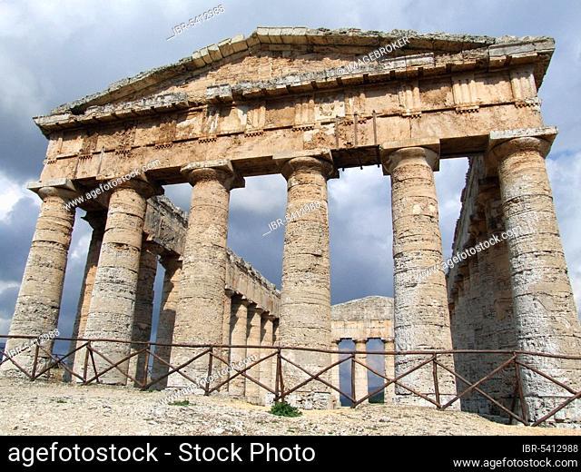 Doric Temple of Segesta, Trapani, Sicily, Italy, Europe