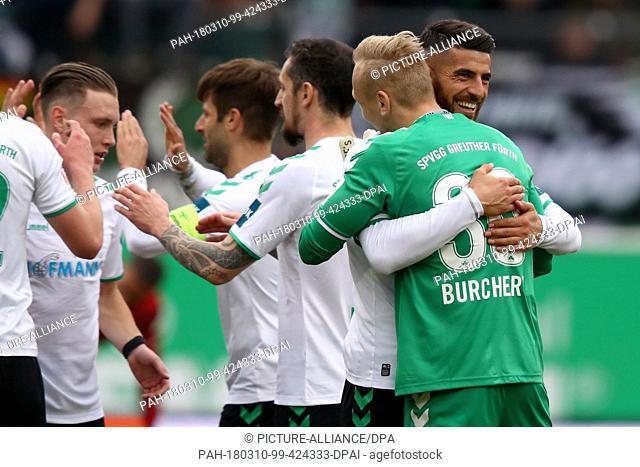 10 March 2018, Fuerth, Germany: 2nd Bundesliga football, SpVgg Greuther Fuerth vs 1. FC Kaiserslautern at the Sportpark Ronhof Thomas Sommer