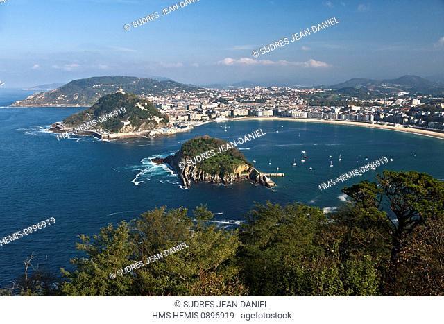Spain, Basque Country, Guipuzcoa province (Guipuzkoa), San Sebastian (Donostia), European capital of culture 2016, La Concha Bay view from Mount Igueldo