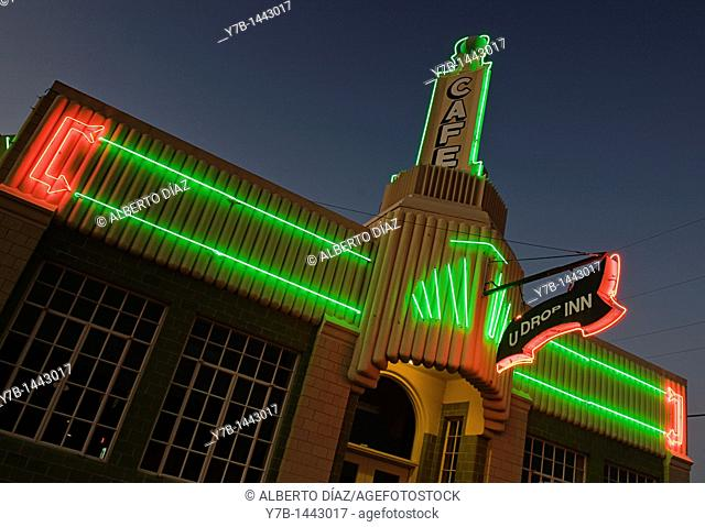 Neon on the main facade of the former gas station on Route 66 in Shamrock, chamber of commerce today
