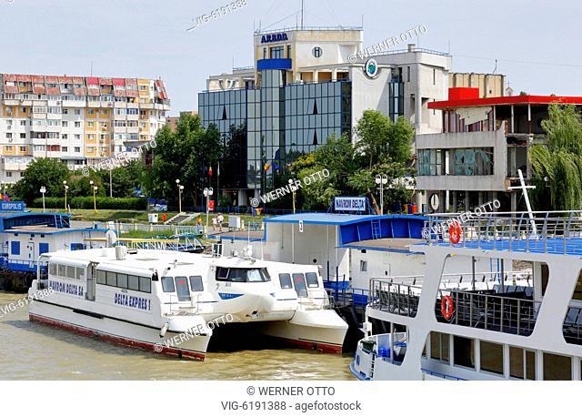 Romania, Tulcea at the Danube, Saint George branch, Tulcea County, Dobrudja, Gate to the Danube Delta, city view, harbour, ARBDD
