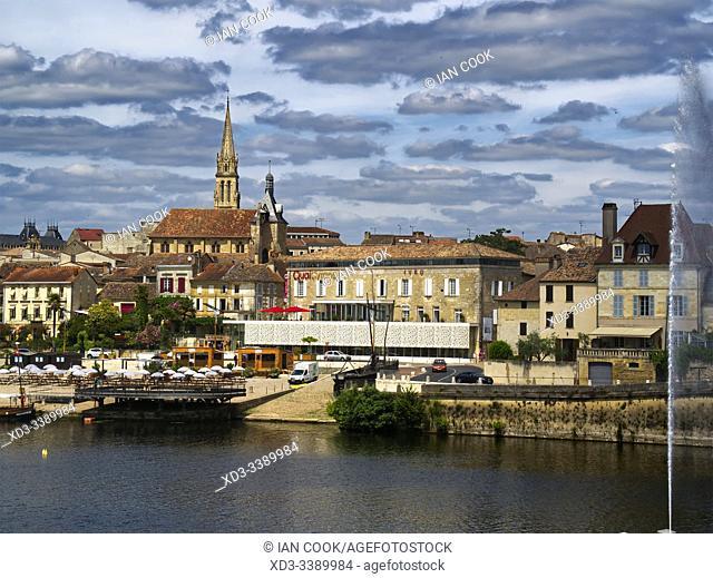 Doprdogne River and Bergerac, Dordogne Department, Nouvelle Aquitaine, France