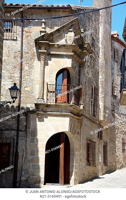 Casa de los Chaves Calderon, today the Palacio Chaves Hotel. Walled city. Trujillo, Caceres, Extremadura, Spain, Europe