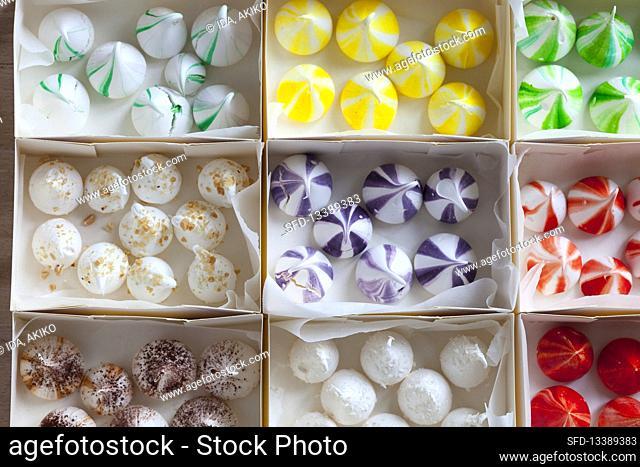 Various meringue drops
