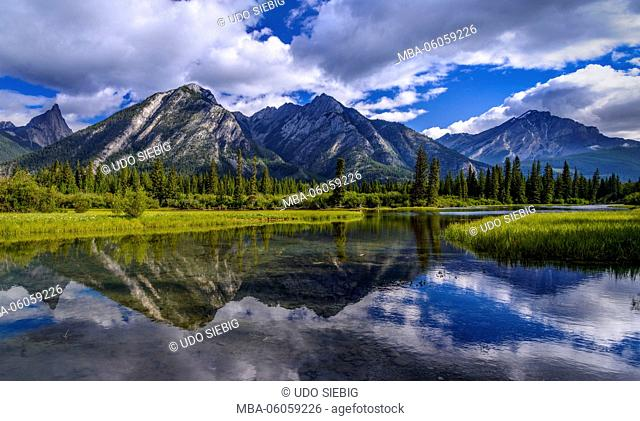Canada, Alberta, Banff National Park, Banff, Bow River Valley, Mount Norquay, Cascade Mountain, View from the Sundance Trail