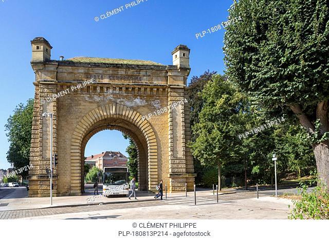 Porte Serpenoise, néo-classique city gate in the city Metz, Moselle, Lorraine, France
