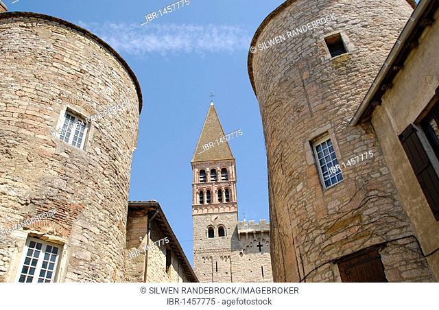 Fortifications and church Abbaye Saint-Philibert, Tournus, Saone et Loire, Burgundy, France, Europe