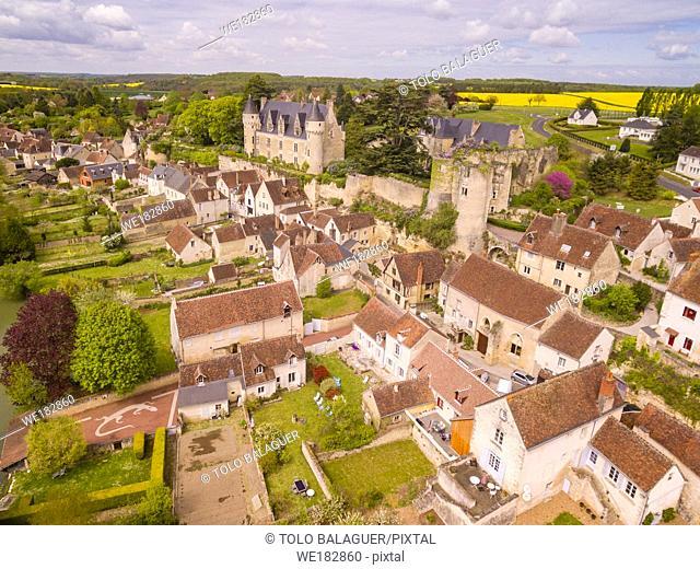 fortaleza medieval. construida en el siglo XI por Fulco Nerra, conde de Anjou, y castillo del conde Branicki, Montrésor, departamento de Indre y Loira, France