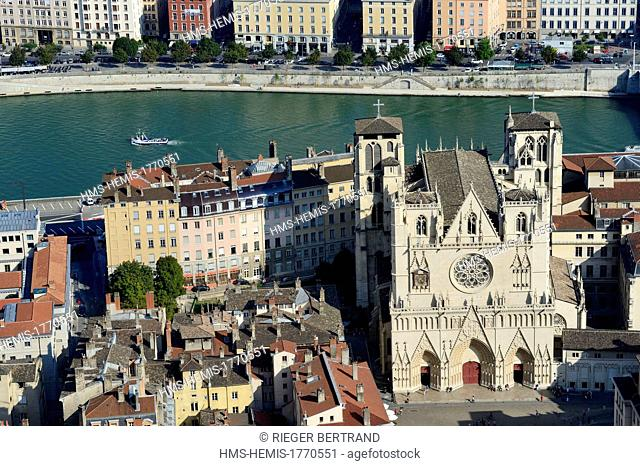 France, Rhone, Lyon, historical site listed as World Heritage by UNESCO, Vieux Lyon (Old Town), Saint Jean Cathedral (Saint John's Cathedral) along the Saone...
