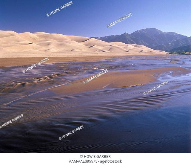 Great Sand Dunes Natl Mon. Medano Creek & Sangre de Cristo Mts. - Colorado