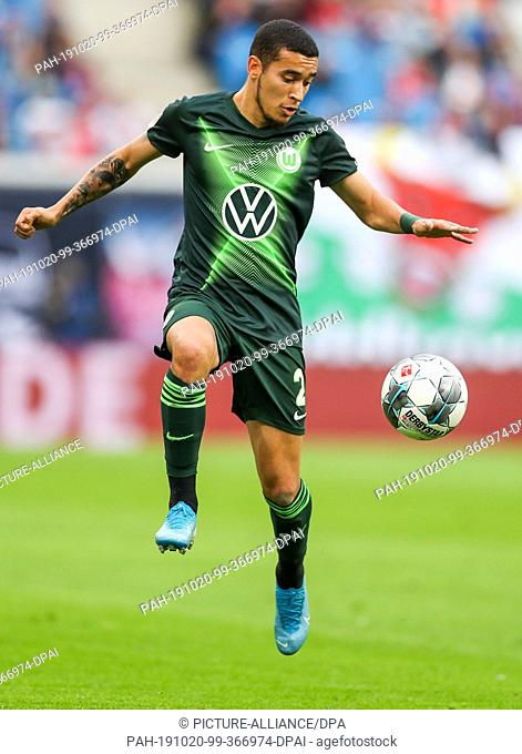 19 October 2019, Saxony, Leipzig: Soccer: Bundesliga, 8th matchday, RB Leipzig - VfL Wolfsburg in the Red Bull Arena Leipzig