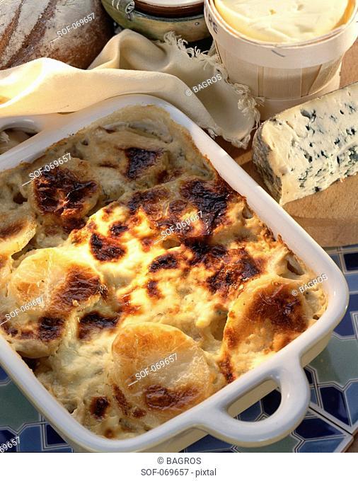 Potato and roquefort gratin