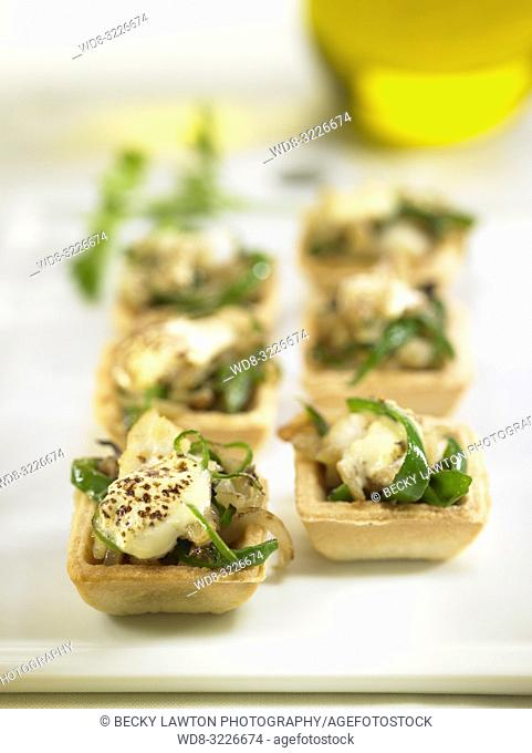 tartaleta de bacalao, pimiento verde y alioli / tartlet with cod, green pepper and alioli