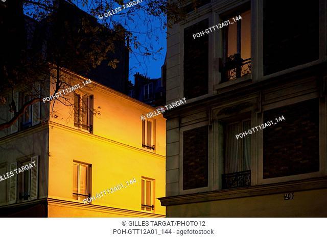 Place Denfert Rochereau in Paris at night (14th arrondissement) December 2012 Photo Gilles Targat