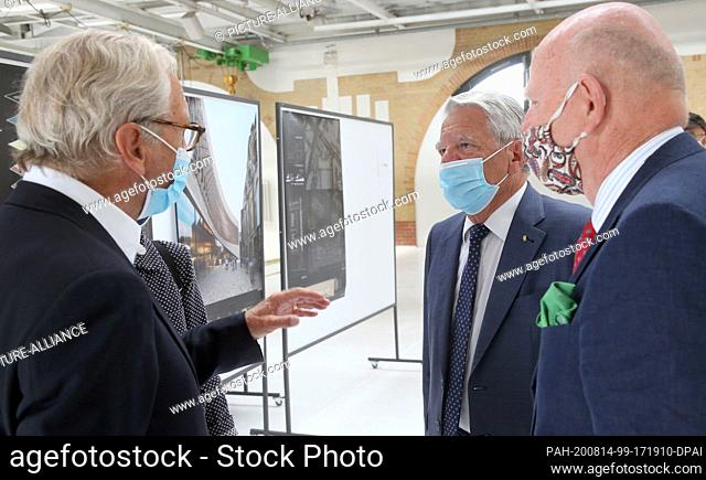14 August 2020, Berlin: Bernd Schultz (l-r), financier and director of the Villa Grisebach auction house, former Federal President Joachim Gauck (patron) and...