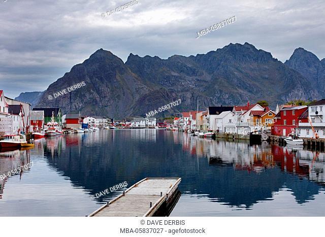 Henningsvaer, channel, reflection, Festvagtinden, Austvagoya, Lofoten, Norway, Europe