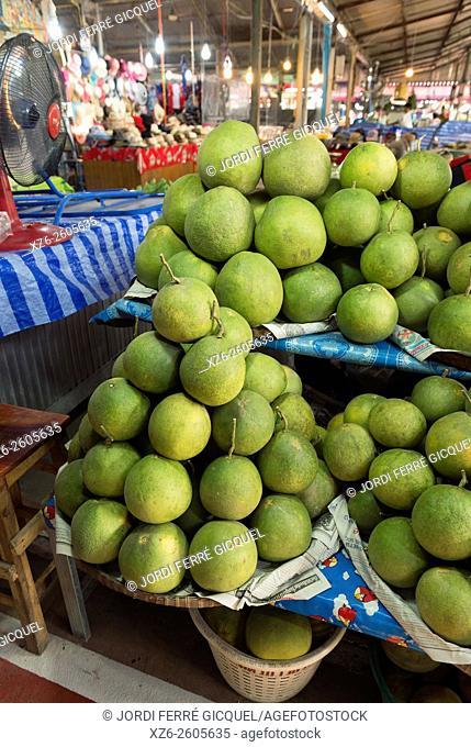 A pile of pomelos at Don Wai Market, Nakhon Pathom, Thailand, Asia
