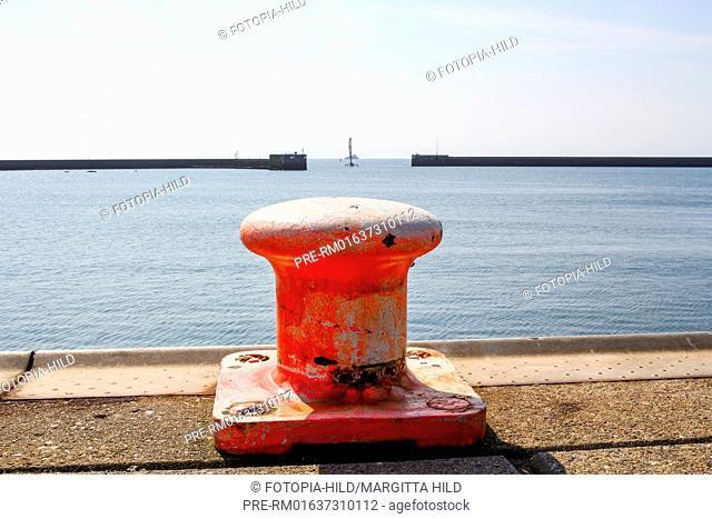 Bollard in Heligoland harbour, German bight, Schleswig-Holstein, Germany, North Sea / Poller im Hafen von Helgoland, Deutsche Bucht, Schleswig-Holstein