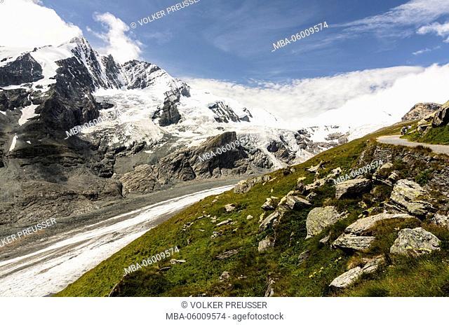 Grossglockner and glacier Pasterze of the chamoisgrubenweg, Austria, Carinthia, national park Hohe Tauern