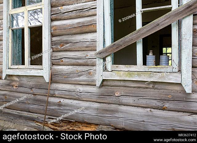 Verlassenes Schulhaus in der radioaktiven Sperrzone in Belarus (Weißrussland)
