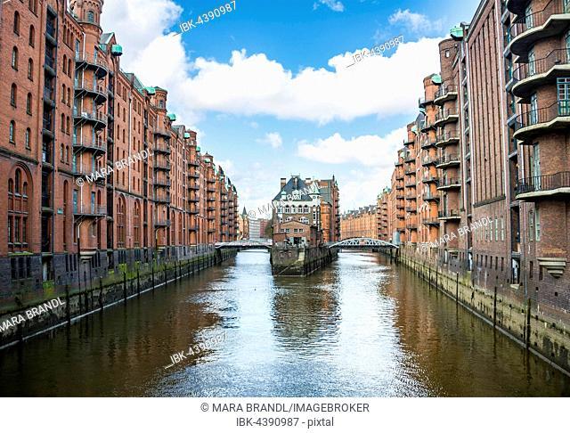 View from the Poggenmühle bridge, Hollaendischer Brook Island, moat, Hamburg Warehouse district, Hamburg, Germany