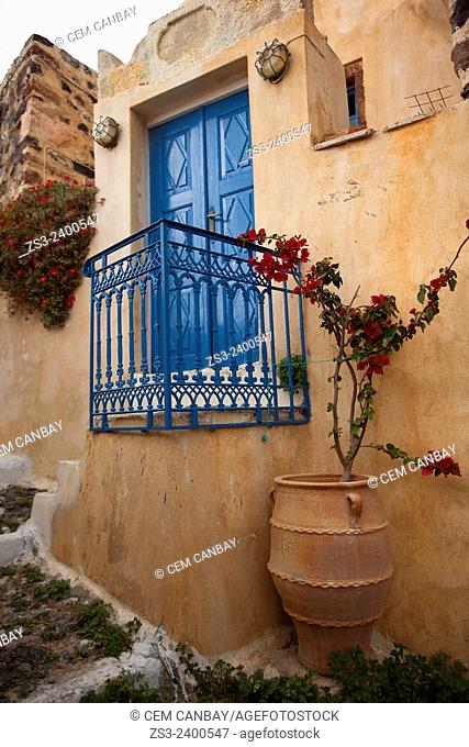 Old house with balcony at Pyrgos town, Santorini, Cyclades Islands, Greek Islands, Greece, Europe