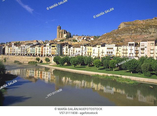 River Segre and overview of the town. Balaguer, Lerida province, Catalonia, Spain