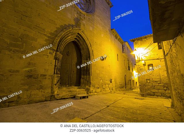 Torre del Compte is a medieval village in Matarrana county, Aragon.Spain. St Peters church