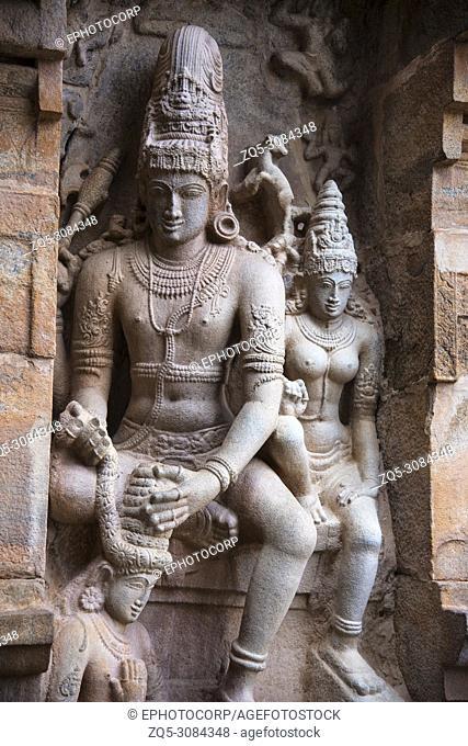 Shiva garlanding a devotee, Gangaikonda Cholapuram, Tamil Nadu, India