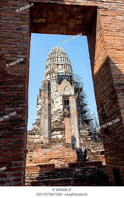 Wat Si Chum temple in Sukhothai historical park, Sukhothai, Thailand