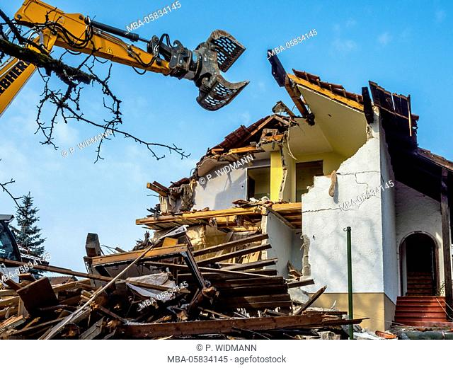 Excavator with the demolition of a house, Bavaria, Germany, Europe