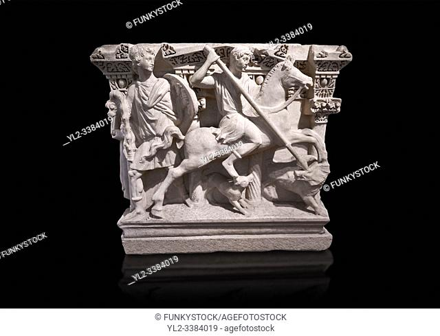 """Roman relief sculpted Hercules sarcophagus with kline couch lid, """"""""Columned Sarcophagi of Asia Minors'style typical of Sidamara, 250-260 AD"""