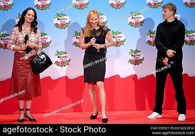 "20 September 2020, Berlin: Natalia Wörner (l-r), Andrea Sawatzki and Tim Bendzko will be on stage at """"kinder Tag 2019"""" at Radialsystem V"