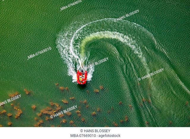 Aerial view, motorboat on Feldmarksee, Vennstrasse, Sassenberg, Münsterland, North Rhine-Westphalia, Germany, Europe