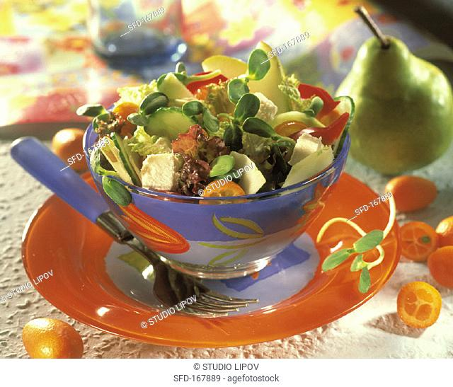 Mixed salad with vegetables, sheep's cheese & fruit
