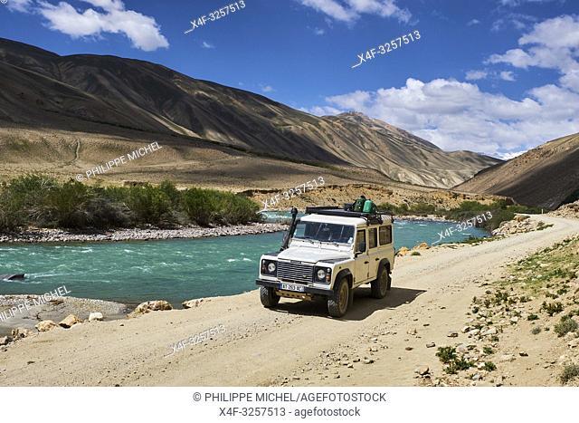 Tadjikistan, Asie centrale, Gorno Badakhshan, Haut Badakhshan, le Pamir, vallée du Wakhan, la rivière Pamir sépare le Tadjikistan et l'Afghanistan / Tajikistan