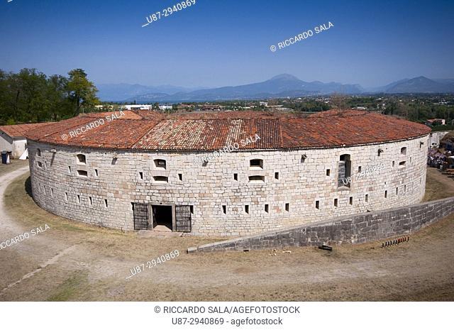 Italy, Lombardy, Ponti Sul Mincio, Forte Ardietti near Garda Lake