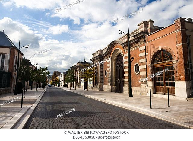 France, Marne, Champagne Region, Epernay, Avenue de Champagne