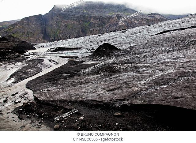 THE MYRDALSJOKULL IS THE COUNTRY'S FOURTH BIGGEST GLACIER, SOUTHERN COAST OF ICELAND, EUROPE